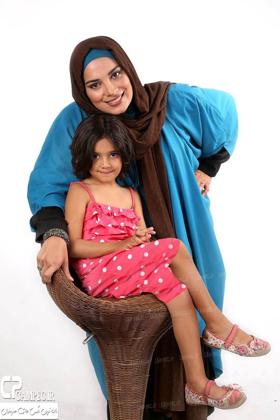 عکس های زیبای روشنک عجمیان و دخترش