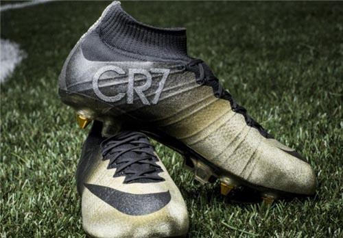 کفش طلای نایکی برای رونالدو
