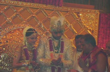 عکس هایی کمتردیده شده از ازدواج آیشواریا رای با آمیتا باچان!