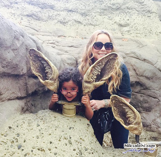 ماریا کری و دوقلوهایش در باغ وحش
