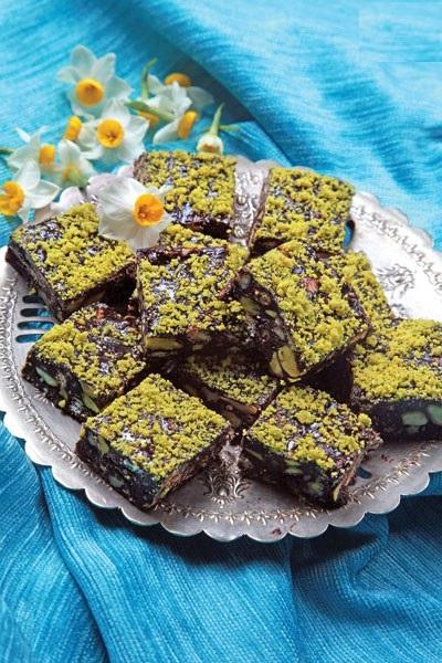 شکلات مغز دارِ خانگی ، دسر لذیذ و بسیار آسان! عکس