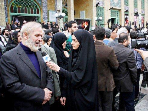 پدر شوهر مهناز افشار در مراسم تشییع کارگردان مشهور تصاویر