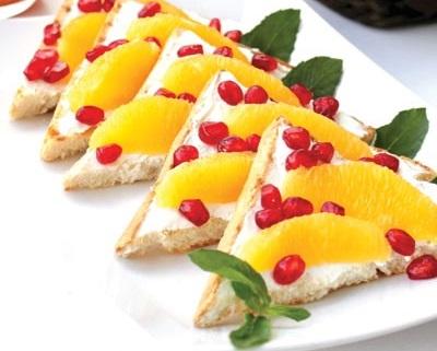 تست با پنیر و میوه