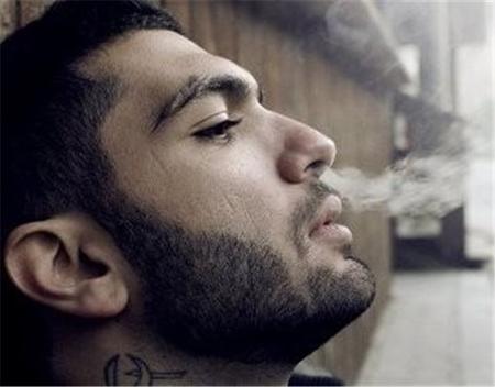 حسین ابلیس ،خواننده زیرزمینی دستگیر شد عکس