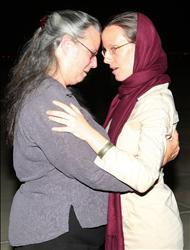 دیدار سارا شورد با مادرش در عمان (عکس)