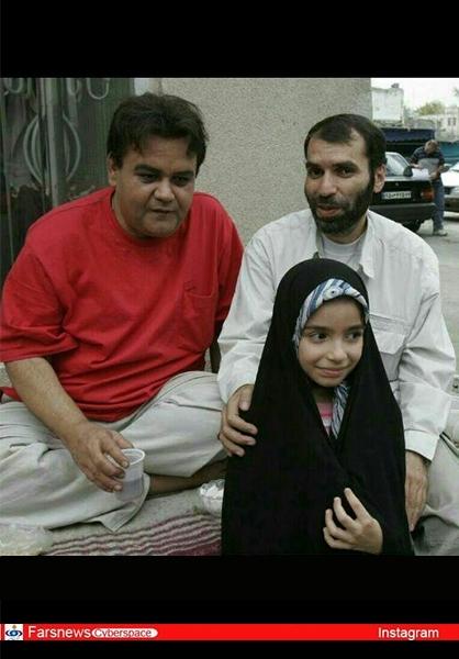 مسعود دهنمکی و دخترش در کنار اکبر عبدی عکس