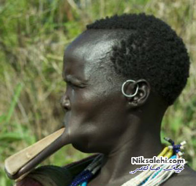 آرایش لب عجیب زنان یک قبیله