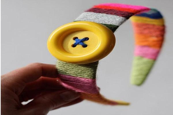 ساخت تل رنگین کمانی با کاموا بسیارساده و زیبا برای کودکان دوست داشتنی تصویر