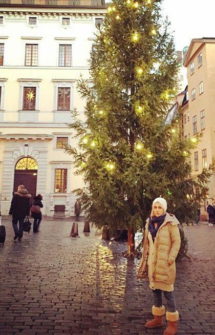 ایام کریسمس آنا نعمتی در خارج از کشور!  تصاویر