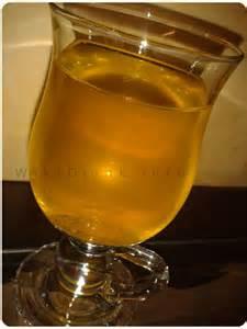 طرز تهیه شربت زعفران مناسب نذری در ماه محرم عکس