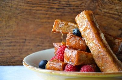 طرز تهیه خلال نان تست فرانسوی با دارچین ، خیلی خوشمزه! عکس