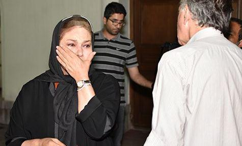گریه های بازیگر زن مشهور در مراسم یادبود عباس کیارستمی! تصاویر