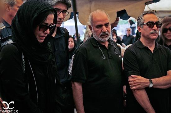 مراسم تشییع پیکر بهمن زرین پور با حضور هنرمندان و بازیگران مشهور