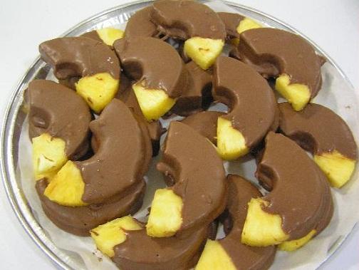 دسر های میوه ای شکلاتی لذیذ و مجلسی