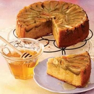 این کیک ساده و خوشمزه را بدون نیاز به فر بپزید! عکس