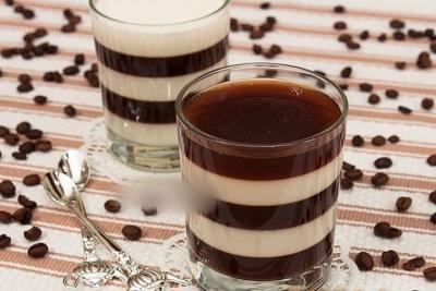 ژله شیر و قهوه لذیذ با طرح راه راه! عکس