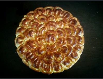 نان شکم پر خوشمزه با طرح زیبای گل