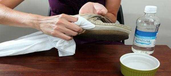 کفش های مخمل خود را به راحتی با این روش تمیز و زیبا کنید تصاویر