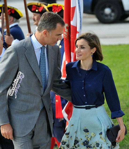 تیپ ملکه اسپانیا و همسرش هنگام بازدید از شهر باستانی