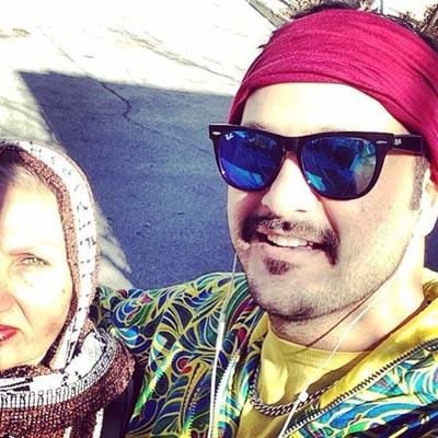عکسهای جدید میلاد کی مرام در کنار مادر و خاله اش! تصاویر