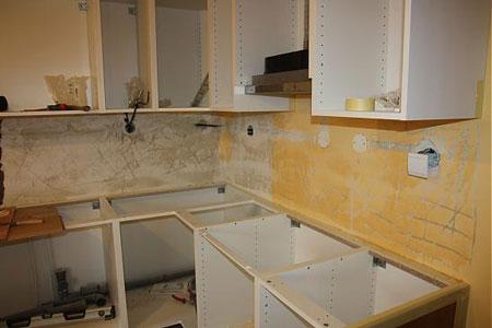 آموزش تزئین دیوار آشپزخانه با کاشی شکسته  تصاویر