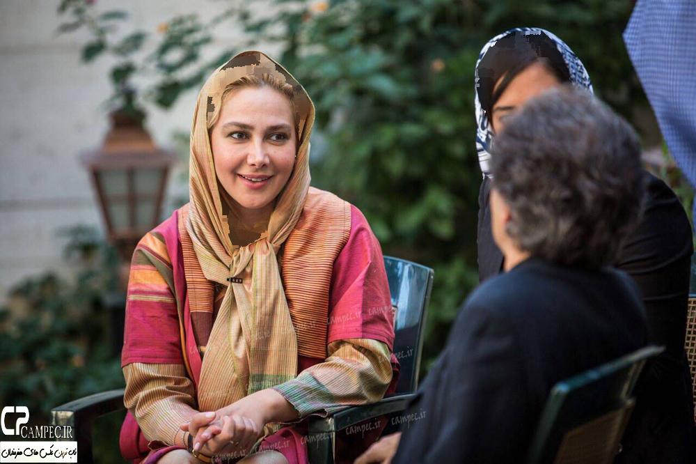 عکس های آناهیتا نعمتی در پشت صحنه مستند شهرداد روحانی