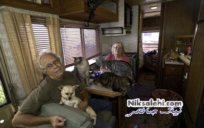 زوجی که حیوانات خود را حسابی تحویل می گیرند