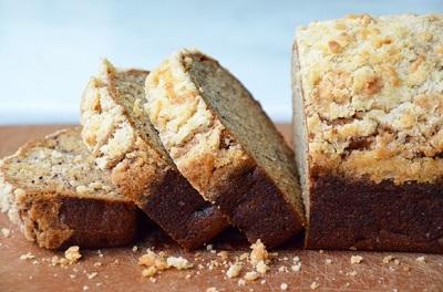 نان موزی خوش عطر و خوش طعم با رویه اشتروسل! عکس