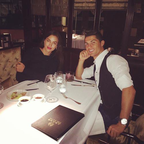 شام کریس رونالدو در کنار همسر پس از هت تریک