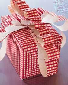 ایده ای زیبا برای تزئین هدایای تان  تصاویر
