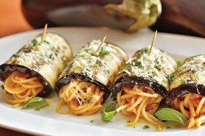 رول بادمجان و اسپاگتی، یک غذای شیک با اسپاگتی های مانده
