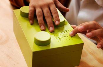 اسباب بازی جالب برای کودکان نابینا تصاویر