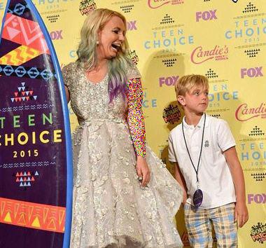 «بریتنی اسپیرز» خواننده مشهور آمریکا و فرزندانش