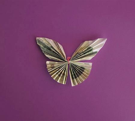 تزیین اسکناس عیدی به شکل پروانه