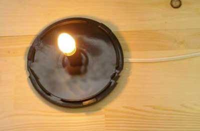 با جای سی دی این چراغ مطالعه زیبا را خلق کنید/تصویری