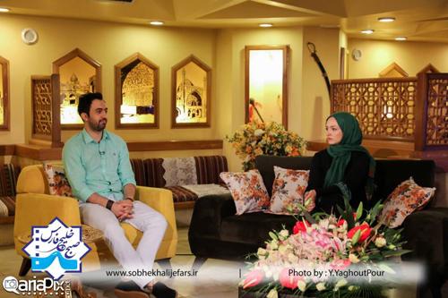 گلاره عباسی (بازیگر) و مهدی یراحی (خواننده) در برنامه صبح خلیج فارس