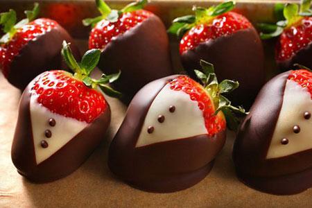 ایده های جالب برای تزیین توت فرنگی با شکلات