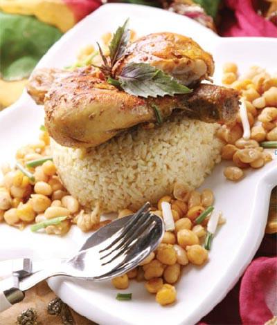 خوراک مرغ مکزیکی به همراه برنج قهوه ای