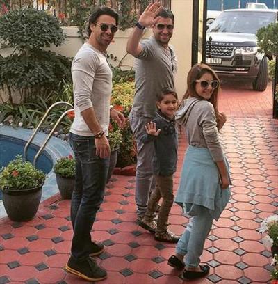 فرهاد مجیدی به همراه خانواده در دبی  عکس