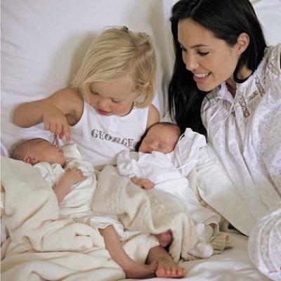 ستارهها از تجربه مادری و شیردهیشان میگویند! عکس
