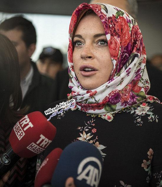 پوشش بازیگر مشهورهالیوودی با روسری در ترکیه