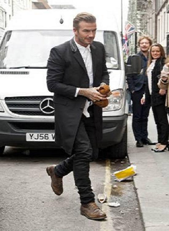 دیوید بکهام در مراسم افتتاح بوتیک همسرش عکس
