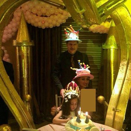 جشن تولد 70 میلیون تومانی برای دختر علی دایی تصاویر