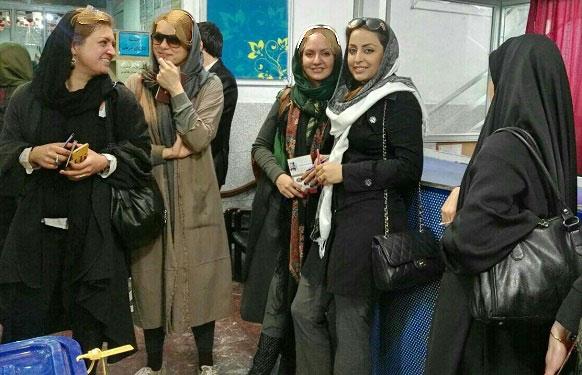 مهناز افشار و شهاب حسینی در صف رای تصاویر