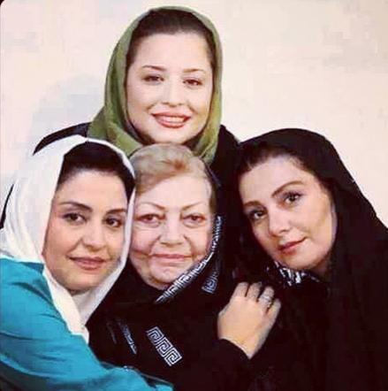 عکس یادگاری بازیگران زن با زنده یاد حمیده خیرآبادی