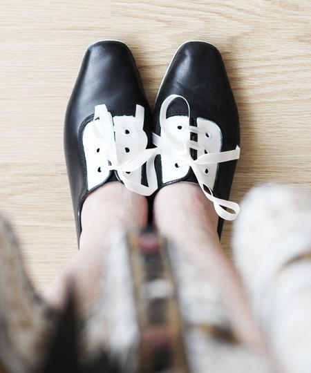 آموزش تغییر ظاهر کفش های ساده و قدیمی