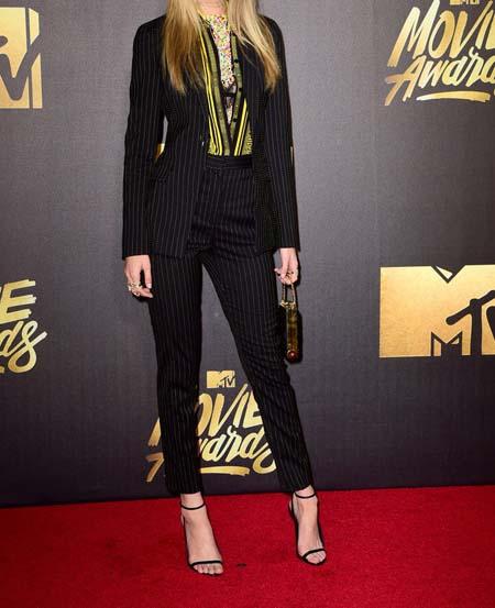 بهترین و بدترین مدل لباس ستارگان هالیوودی در جوایز فیلم ام تی وی تصاویر