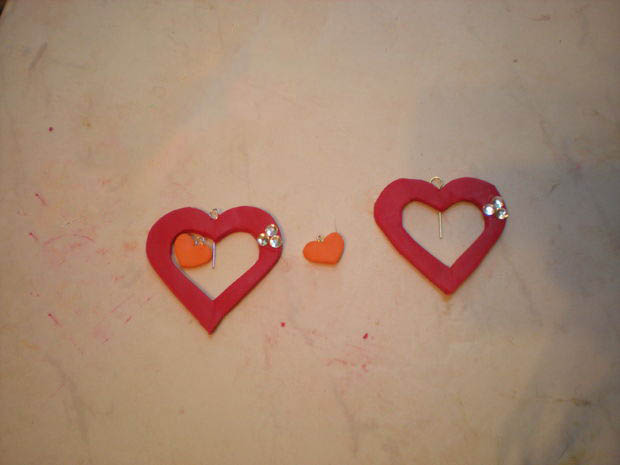 آموزش ساخت گوشواره بسیار زیبا قلبی با خمیر