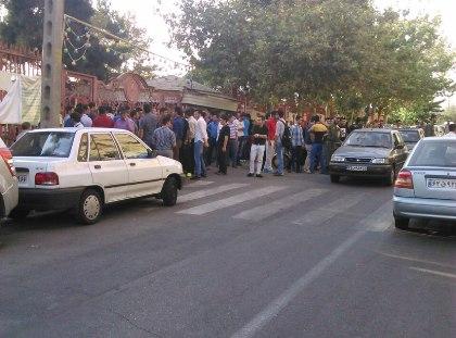 تجمع هواداران پرسپولیس در حمایت از دایی