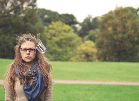 عکس های عجیب و دیوانه وار یک دختر از خودش!